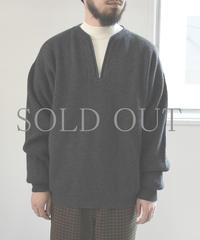 bunt / HALF ZIP SWEATER / col.チャコール