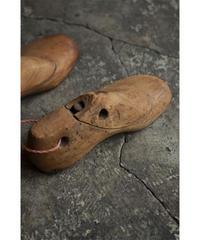 09-MT374098 Shoe Mold set of 2