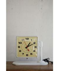 09-EG234047 clock white