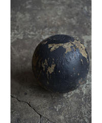 09-MT354194  Wood ball object