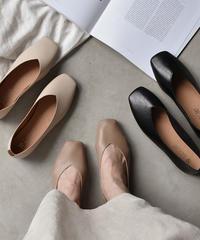 shoes-02028 V-CUT FLAT PUMPS