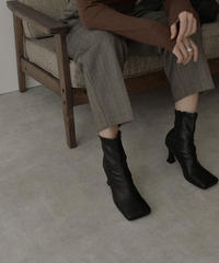 shoes-02116 WIDE SQUARE TOE HEEL BOOTS