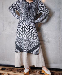 Exotic Arabesque Embroidery Knit Dress