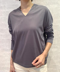 バックプリントVネックロングTシャツ|BEATRICE|E84527