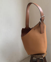 One shoulder bag (ポーチセット)