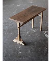 テーブル  装飾3本脚