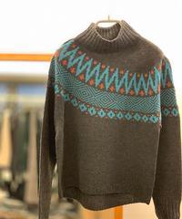 【日本製】求心柄アシンメトリーJQハイネックセーター(Whole Garment Knit)