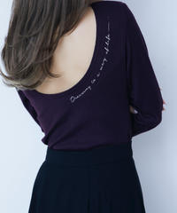 massage in back open tee<PURPLE>
