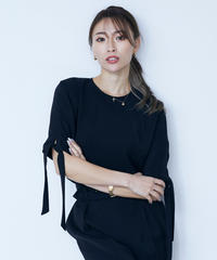Bind sleeve TOP<BLACK>