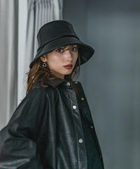 Faux leather bucket HAT / BLACK