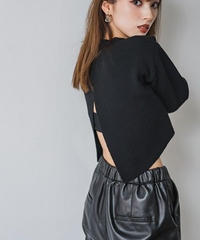 Back slit crop Knit TOP / BLACK