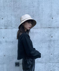 Faux leather bucket HAT / BEIGE