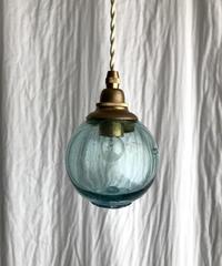 浮き球のペンダント照明