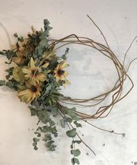 レウカとフウセントウワタの枝みせリース