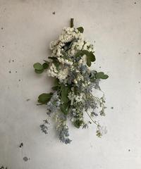 白い春の縦リース