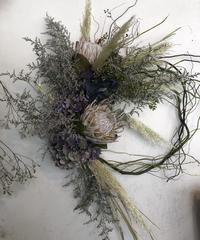 プロテアとクラシック紫陽花のおっきい枝見せリース