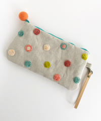 リネンの水玉刺しゅうのペタンコポーチ【ターコイズグリーン2】