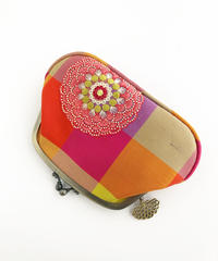 タイシルクの仕切り付きスリムがま口財布