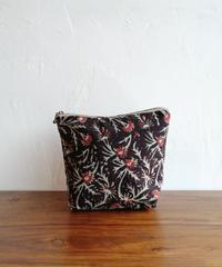 ブロックptポーチ黒赤草花