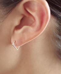 Twist pierces - square  / small <K18YG>