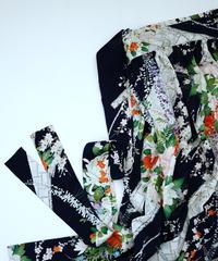 檜垣に梅菊藤牡丹模様(正絹総地紋付き)