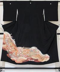 【黒留袖】正絹一越 比翼(化繊) 刺繍(金駒) 御所車に吉祥花☆148cm前後の方ベストサイズ【美品】