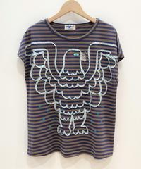 <SAMPLE SALE>  ワシのテープ刺繍Tシャツ (beige x blue)