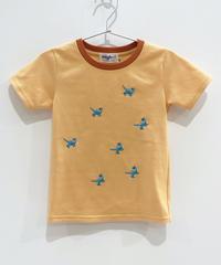 7匹の恐竜の刺繍キッズTシャツ (peach yellow)
