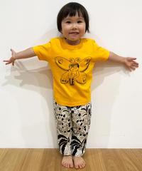 バタフライガールのキッズTシャツ (deep yellow)