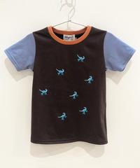 7匹の恐竜の刺繍キッズTシャツ (dark brown)