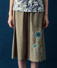 ヒマワリの刺繍のワイドパンツ (brown)