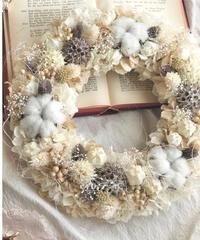 ふんわり紫陽花のWinter wreath