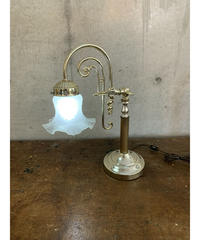 フラワーモチーフ ガラスシェード テーブルランプ