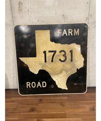Texas 1731 Farm Road メタルサイン
