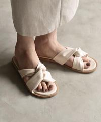 shoes-02061 フェイクレザー クロスサンダル ベージュ