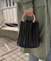 bag2-02447 ウッドリングハンドル プリーツバッグ ハンドバッグ ショルダーバッグ ブラック ブラウン ベージュ