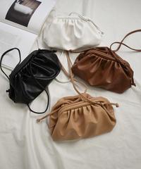 bag2-02484 エコレザー ギャザーショルダーバッグ ブラウン ベージュ ホワイト ブラック