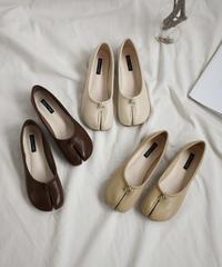 shoes-02092 エコレザー 足袋フラットパンプス エクリュ ベージュ ブラウン