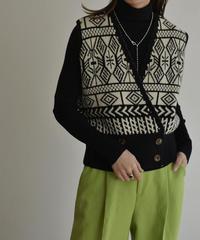 1月下旬入荷分 予約販売 knit-02114 ジャガード柄 ニットベスト ブラック ブラウン