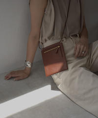 leather-09004 牛革 スマホ収納 & お財布機能 ショルダーバッグ ブラック ブラウン