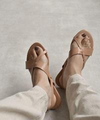 shoes-02077 クロスバックストラップ サンダル ブラック ヌードカラー