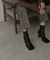 shoes-02116 ワイドスクエアトゥ ヒールブーツ エクリュ ブラック