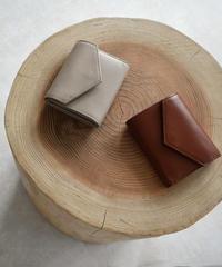 leather-09001 牛革 レターデザイン 財布  グレージュ ブラウン