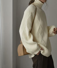 knit-02105 ダイヤリブ ボリュームスリーブ ニット オフホワイト ブラック