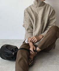 10月上旬~10月中旬入荷分 予約販売 knit-02042 ウール混 ケーブル柄 タートルニットプルオーバー ベージュ モカ