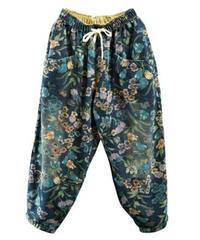 黒青デニムボタニカル花柄太ももルーズパンツ