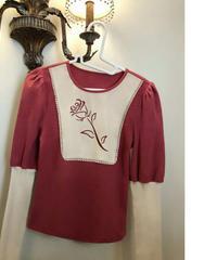 袖ボリューム&タイトワンポイントバラ花柄長袖トップス2色