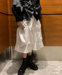 ワッシャープリーツ加工ロングスカート/黒/白/立体とエアリー感
