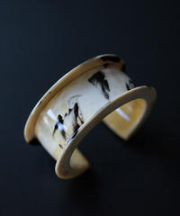 horn bangle 02 - cow pattern - medium size