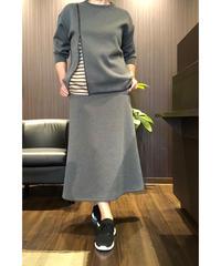 ボンディング素材スカート
